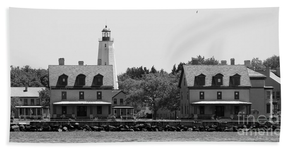 Lighthouse Beach Towel featuring the photograph Sandy Hook New Jersey Lighthouse by Lilliana Mendez