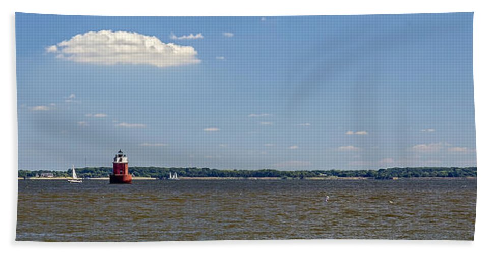 2d Beach Towel featuring the photograph Sandy Pt Shoal Lighthouse - Pano by Brian Wallace