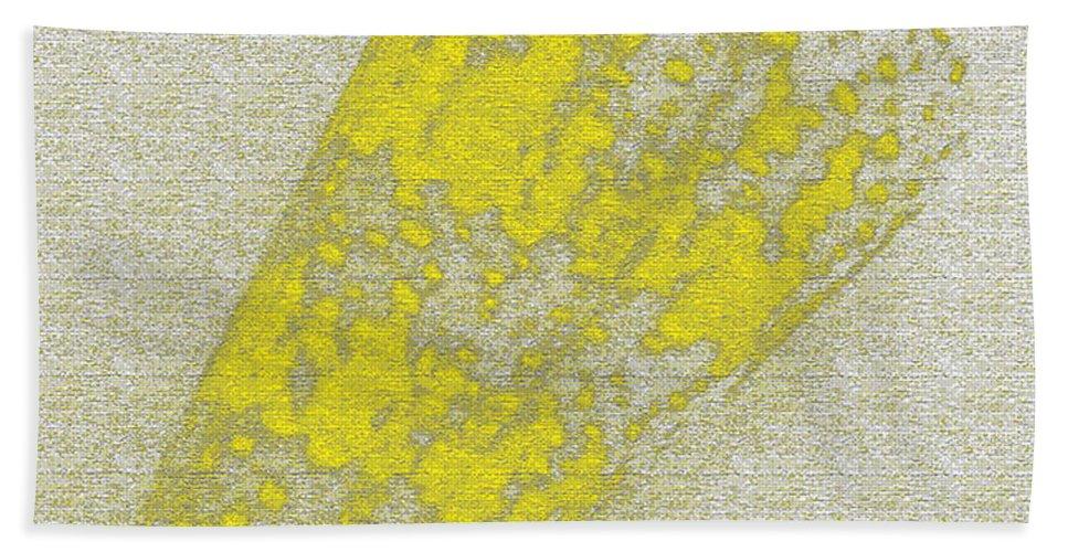 Yellow Beach Towel featuring the digital art Seashell by Carol Lynch