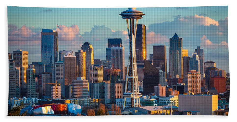 Seattle Beach Towel featuring the photograph Seattle Afternoon by Inge Johnsson