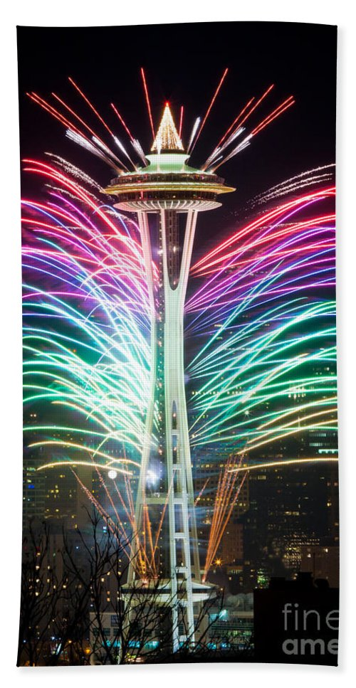 Space Needle Beach Towel featuring the photograph Seattle New Year by Inge Johnsson