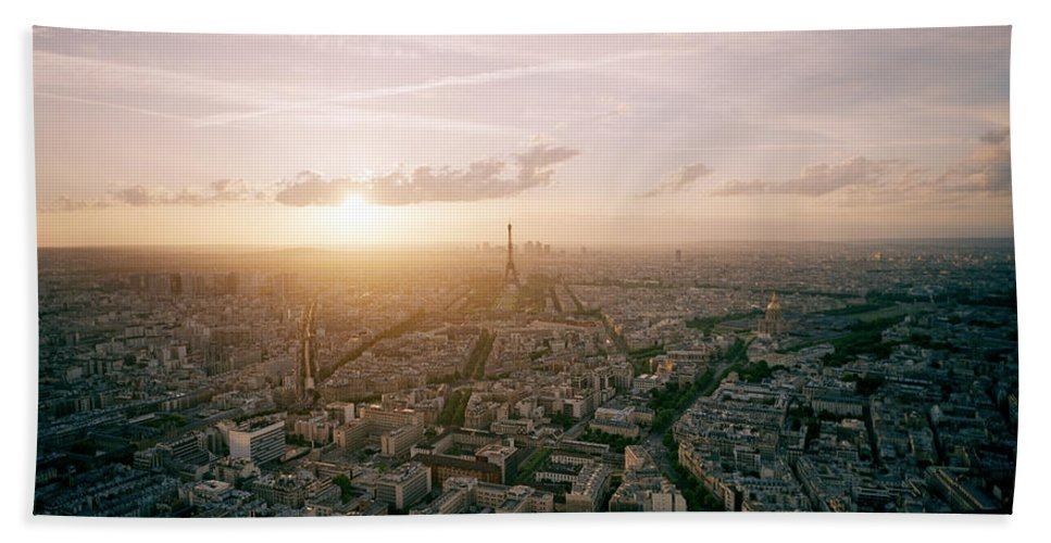 Paris Beach Towel featuring the photograph Setting Sun Over Paris by Shaun Higson