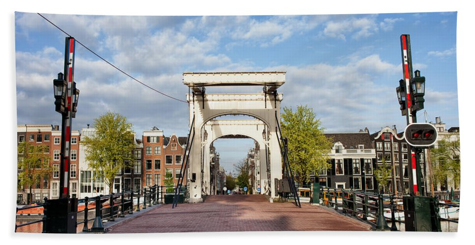Magere Beach Towel featuring the photograph Skinny Bridge In Amsterdam by Artur Bogacki