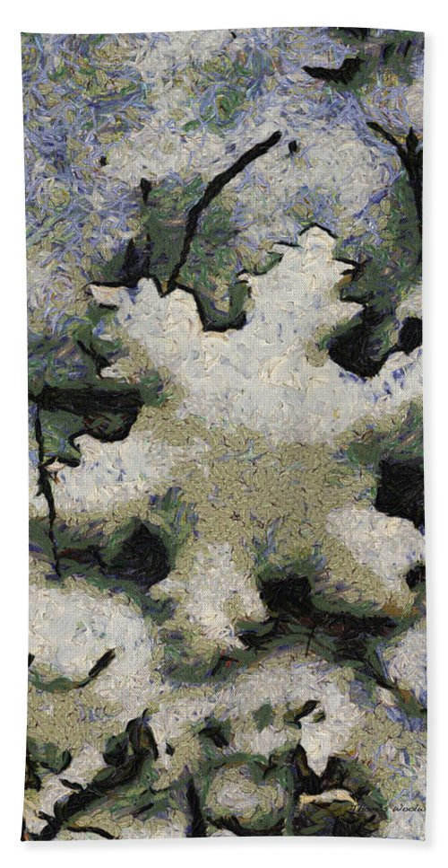 Season Beach Towel featuring the photograph Snow Flake 04 Photo Art by Thomas Woolworth