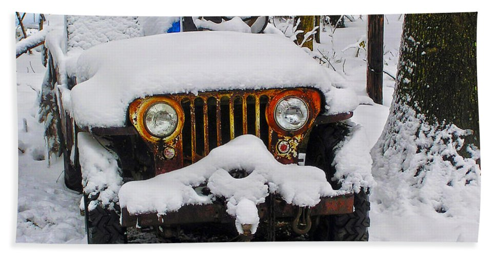 2d Beach Towel featuring the photograph Snow Jeep by Brian Wallace