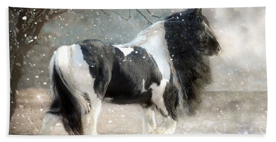 Horse Photographs Beach Towel featuring the photograph Solitary by Fran J Scott