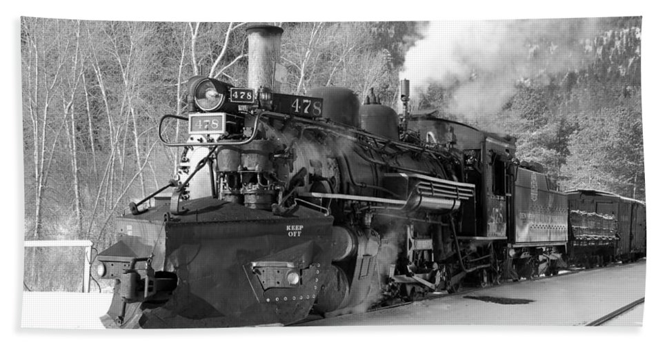 Steam Train Beach Towel featuring the photograph Sothbound Through Rockwood Black And White by Ken Smith
