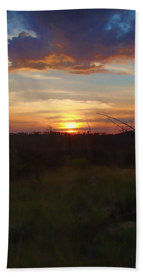 Beach Towel featuring the photograph South Dakota Sunset 2 by Cathy Anderson