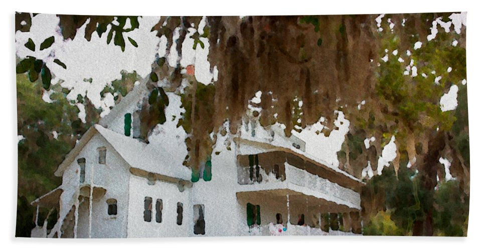 Home Florida Cracker House Blue Springs Florida Mossy Alicegipsonphotographs Beach Towel featuring the photograph Southern Quiet by Alice Gipson
