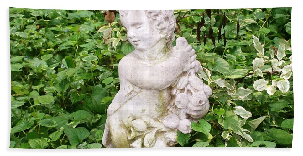 Statue Beach Towel featuring the photograph Statue by Laurie Eve Loftin