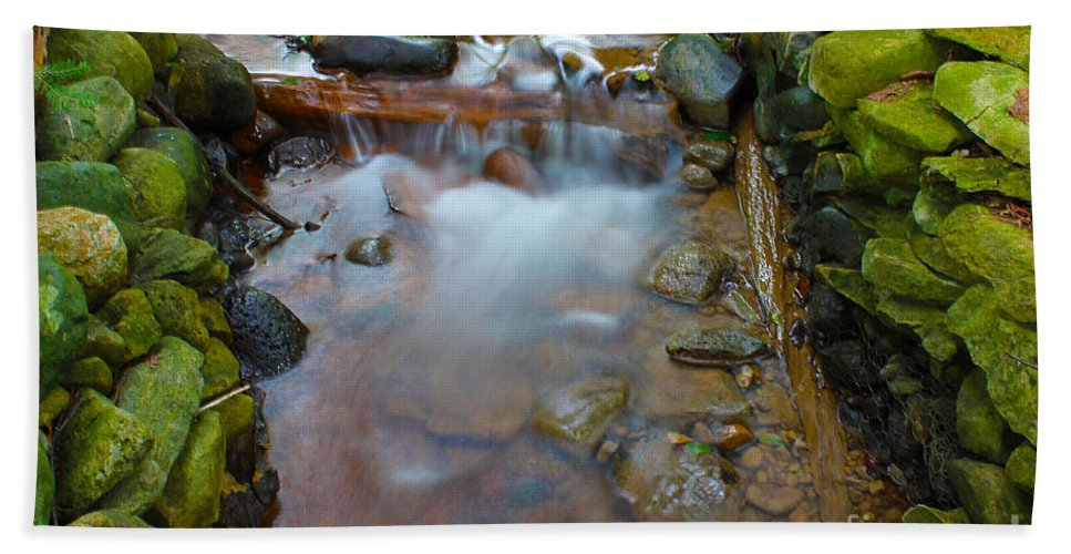 River Beach Towel featuring the photograph Streaming Green by Nina Silver
