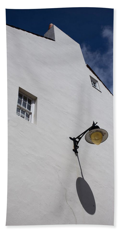 Street Lamp Beach Towel featuring the photograph Street Lamp by Nigel R Bell