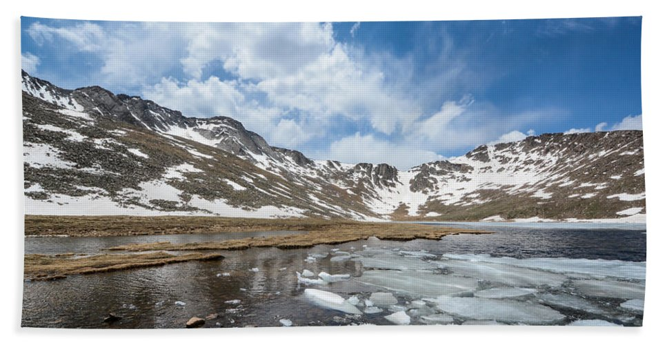 Mount Beach Towel featuring the photograph Summit Lake In The Spring by Colleen Coccia