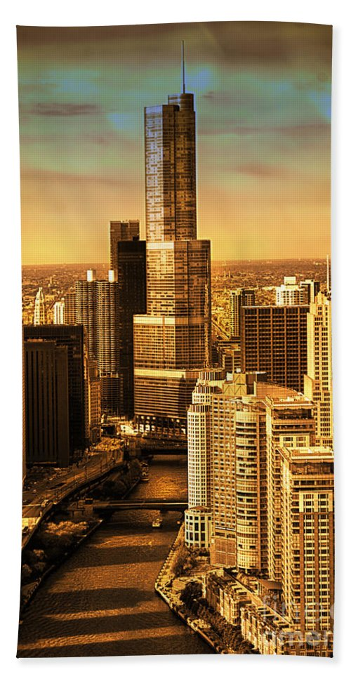 Il Beach Towel featuring the photograph Sundown On Trump Tower by Thomas Woolworth
