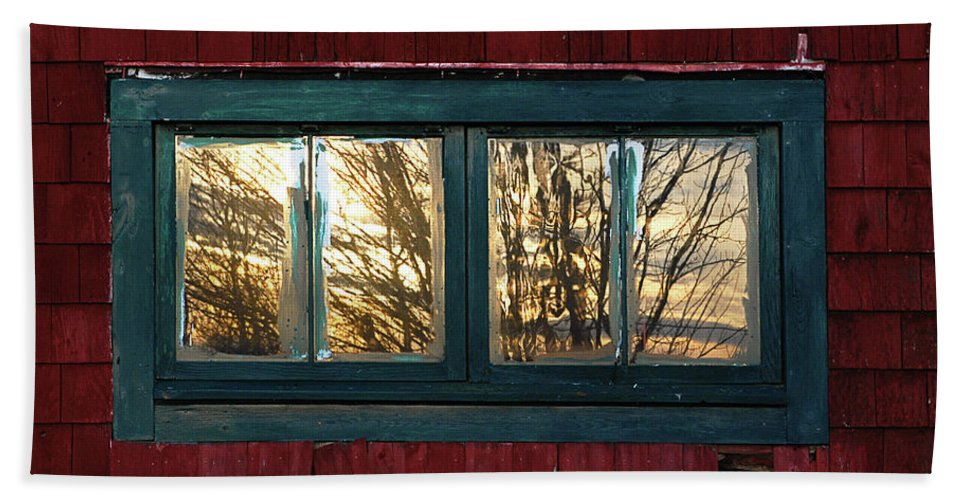 Barns Beach Towel featuring the photograph Sunrise In Old Barn Window by Susan Capuano