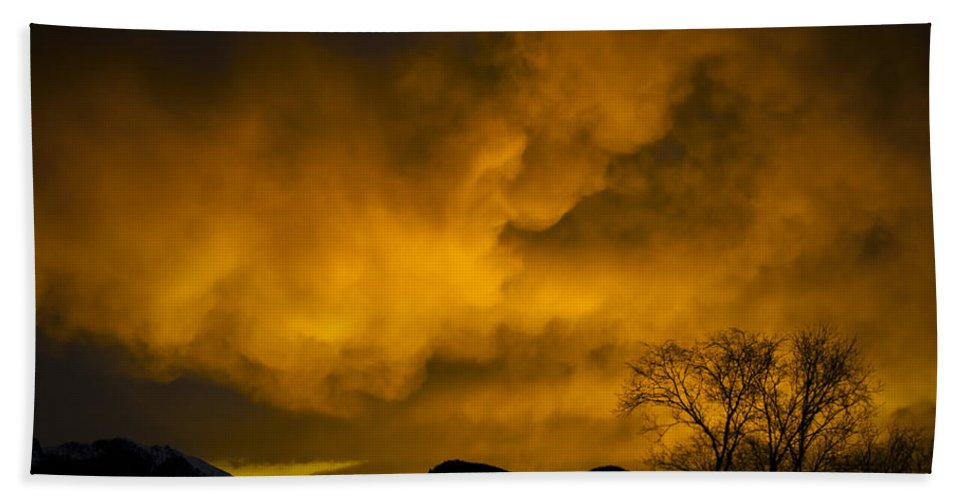 Sunset Over Manitou Springs Colorado Beach Towel featuring the photograph Sunset Over Manitou Springs Colorado by Greg Reed