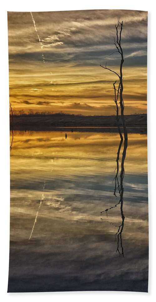 Sunset Beach Towel featuring the photograph Sunset Riverlands West Alton Mo Dsc03317 by Greg Kluempers