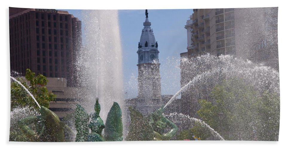 Swann Beach Towel featuring the photograph Swann Fountain In Philadelphia by Bill Cannon