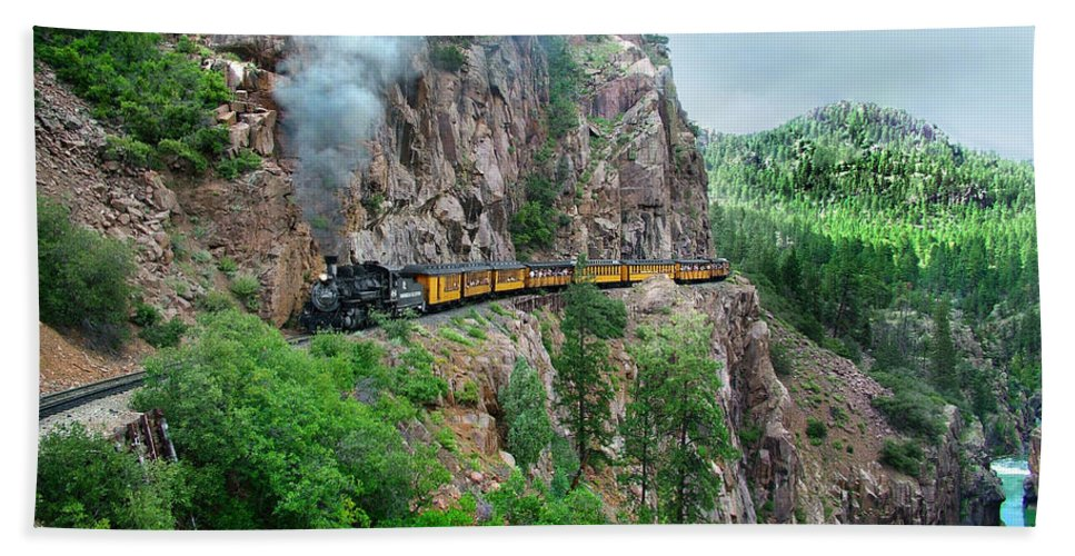 Steam Train Beach Towel featuring the photograph Taking The Highline Home by Ken Smith