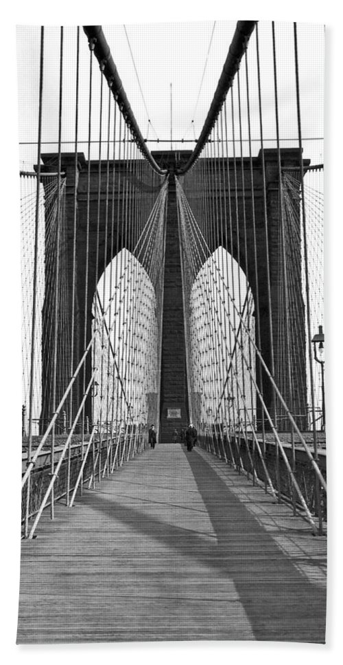 1923 Beach Towel featuring the photograph The Brooklyn Bridge by Underwood Archives
