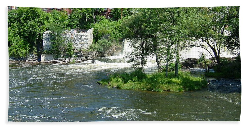Otter Creek Beach Towel featuring the photograph The Falls In Middlebury by Susan Wyman