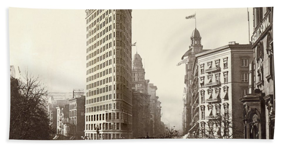 Continent Beach Towel featuring the photograph The Flatiron Building In Ny by Underwood Archives
