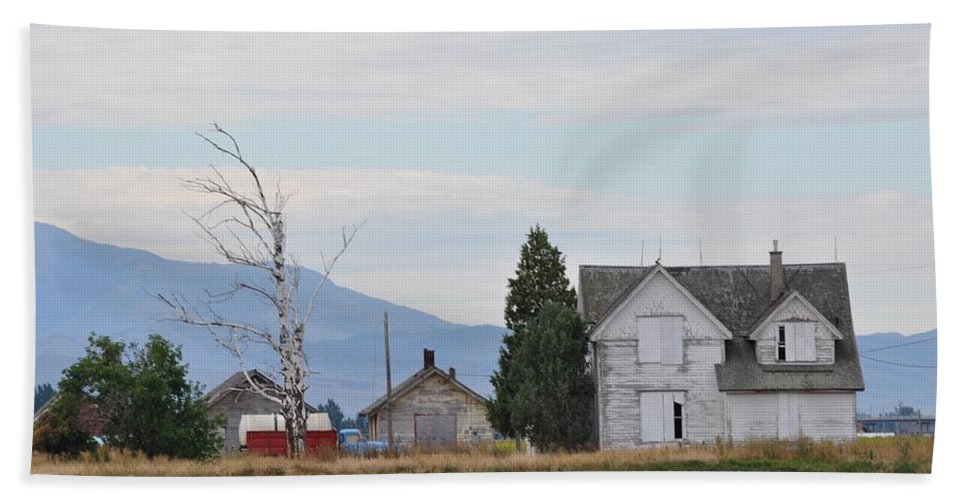 House Beach Towel featuring the photograph The Forgotten Home by Image Takers Photography LLC