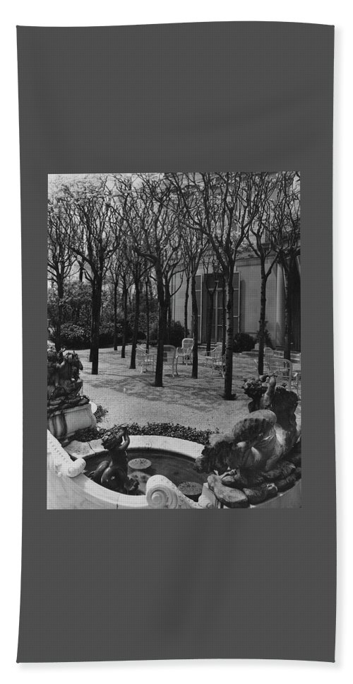 The Garden Of A Home In Meridian Hill Beach Towel