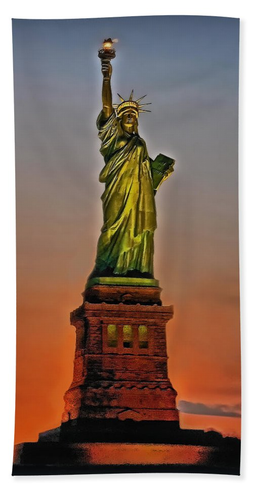 Statue Of Liberty Beach Towel featuring the photograph The Great Lady by Hanny Heim