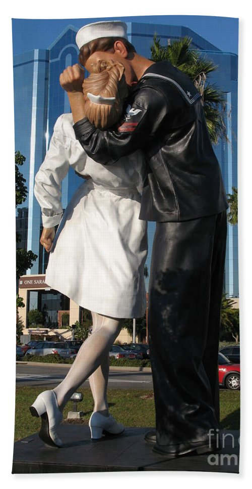 Sailor Beach Towel featuring the photograph The Kiss - Sailor And Nurse - Sarasota by Christiane Schulze Art And Photography
