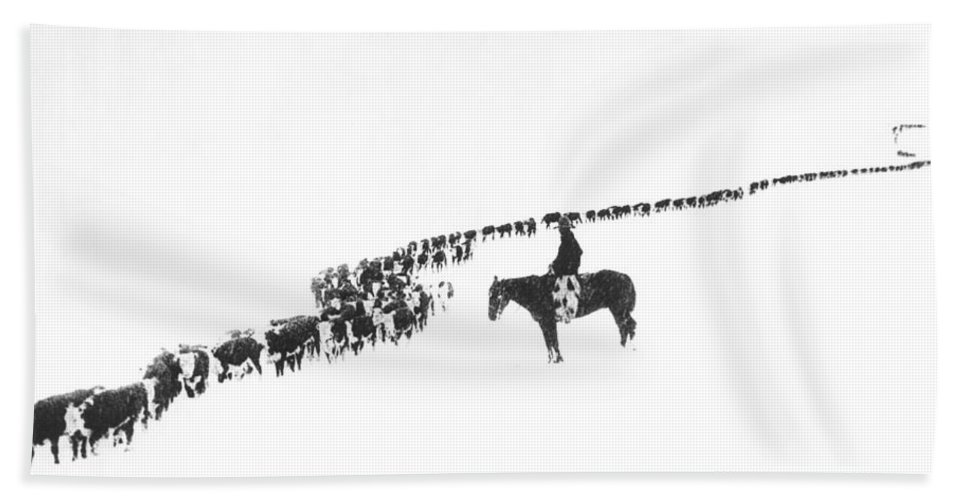 1920s Beach Towel featuring the photograph The Long Long Line by Underwood Archives Charles Belden