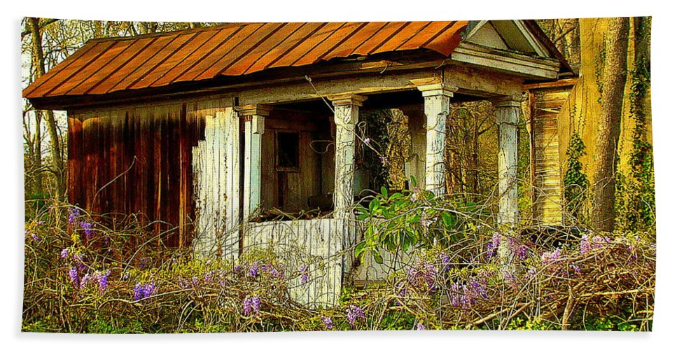 Fine Art Beach Towel featuring the photograph The Old Well House by Rodney Lee Williams