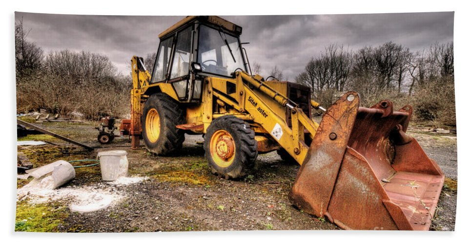 Jcb Beach Towel featuring the photograph The Rusty Digger by Rob Hawkins