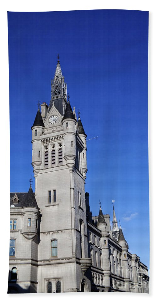Architecture Beach Towel featuring the photograph The Town House by Diane Macdonald