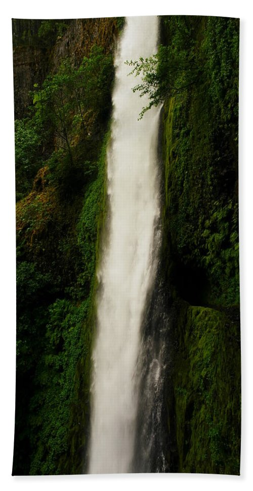 Tunnels Beach Towel featuring the photograph The Tunnel Behind Tunnels Falls by Jeff Swan