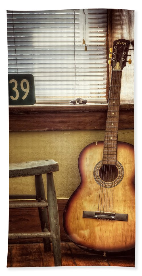 Guitar Beach Towel featuring the photograph This Old Guitar by Scott Norris