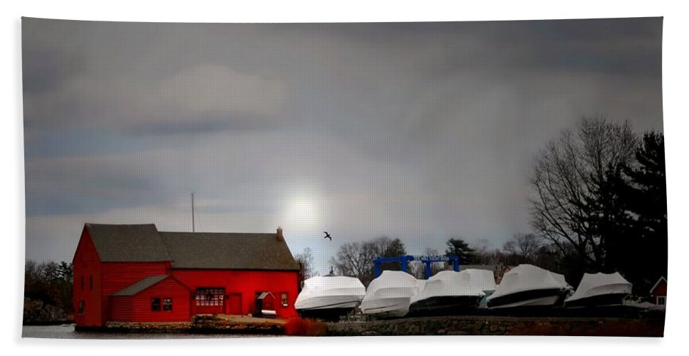Kirby Pond Beach Towel featuring the photograph Tide Mill by Diana Angstadt