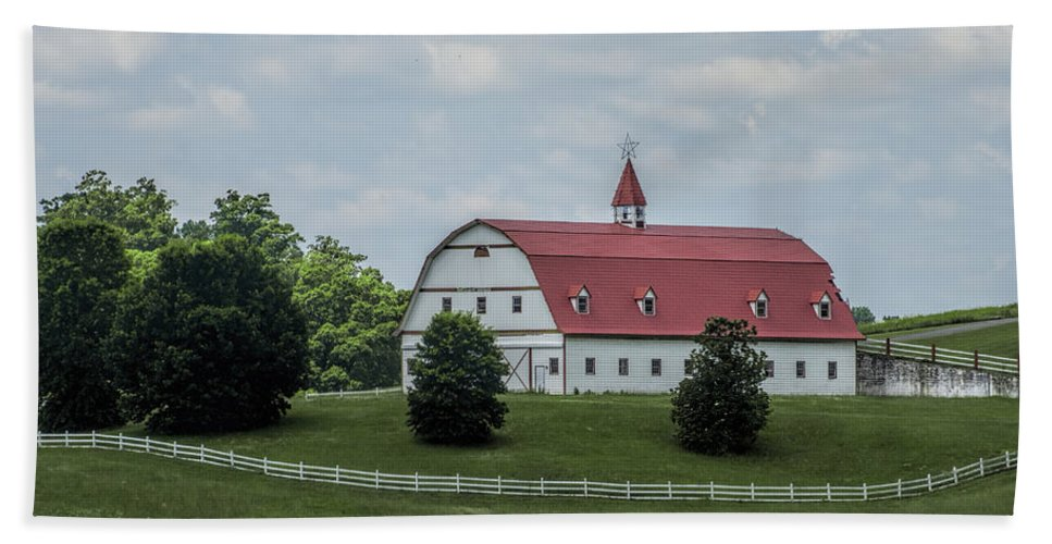 Warrior Beach Towel featuring the photograph Top Notch Classic Barn by Kathy Clark