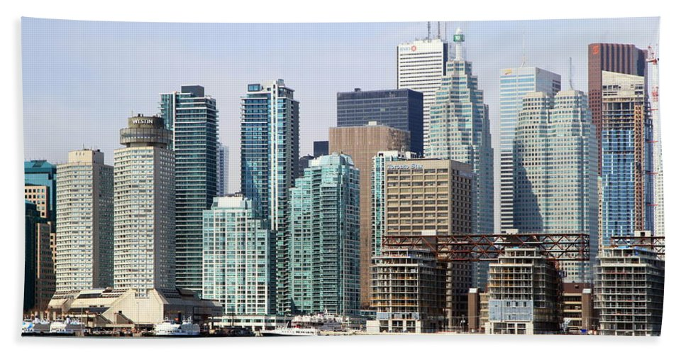 Architecture Beach Towel featuring the photograph Toronto Downtown by Valentino Visentini