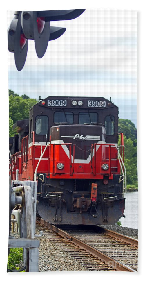 Railroad Beach Towel featuring the photograph Track Star by Joe Geraci
