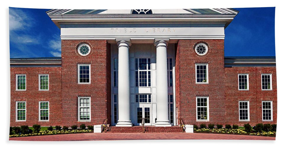 Cnu Beach Towel featuring the photograph Trible Library Christopher Newport University by Jerry Gammon