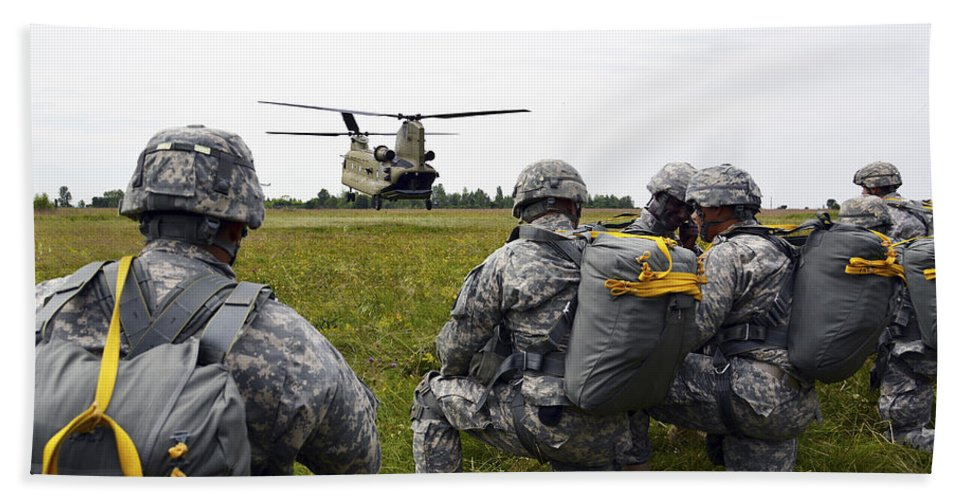 Horizontal Beach Towel featuring the photograph U.s. Army Paratroopers Prepare To Board by Stocktrek Images