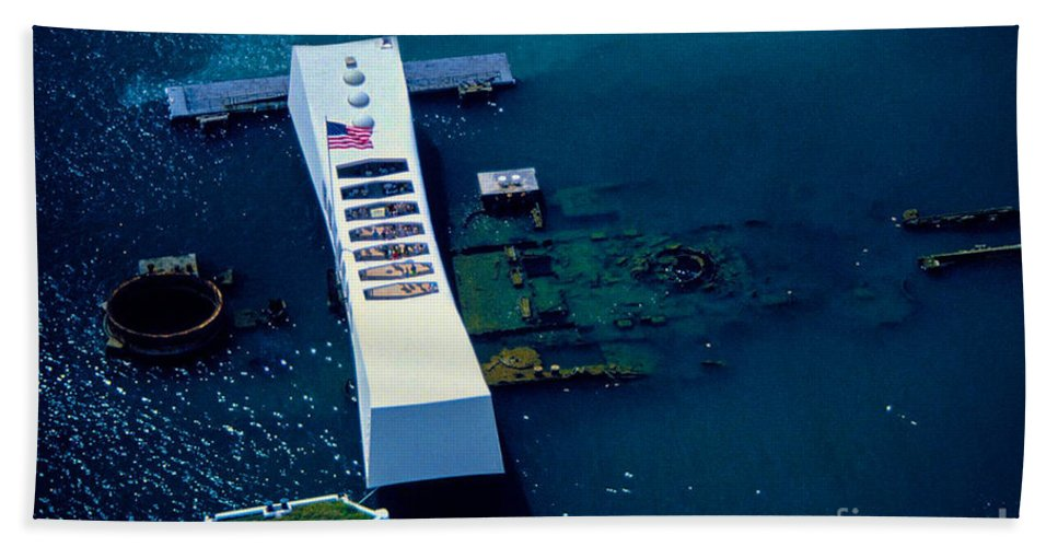 Uss Arizona Beach Towel featuring the photograph Uss Arizona by Tommy Anderson