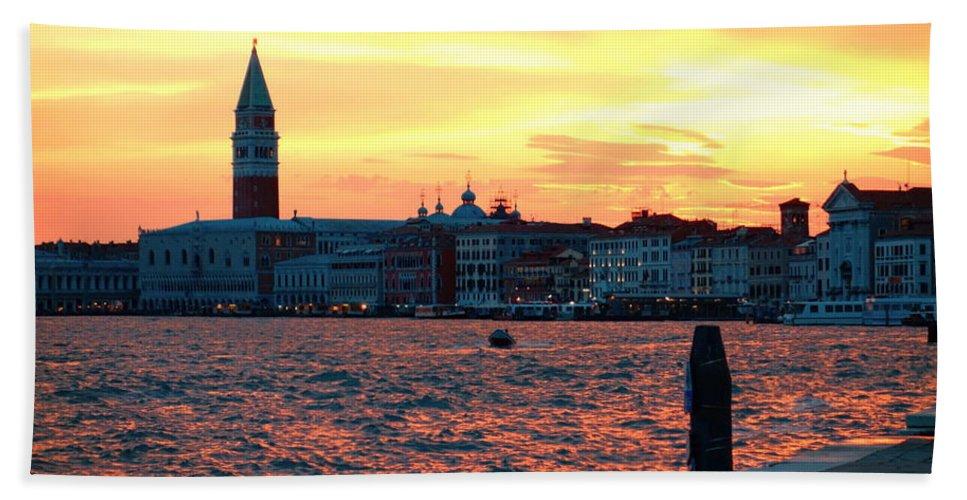 Venezia Beach Towel featuring the photograph Venice Colors by Valentino Visentini