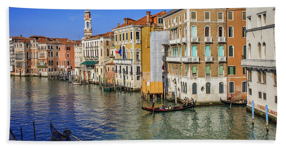 Venezia Beach Towel featuring the photograph Venice - Venezia by Alfio Finocchiaro
