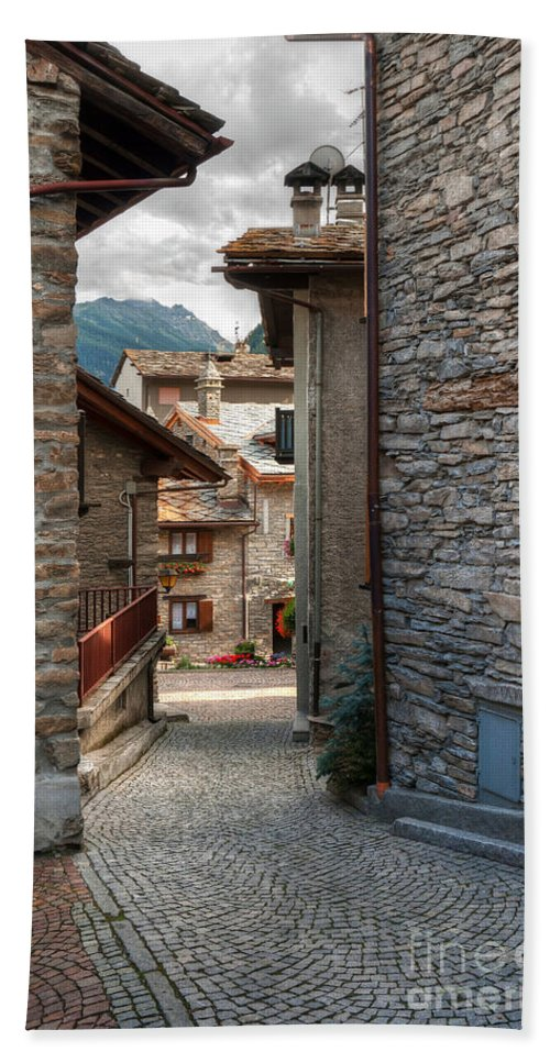Alley Beach Towel featuring the photograph Verrand. Courmayeur by Antonio Scarpi