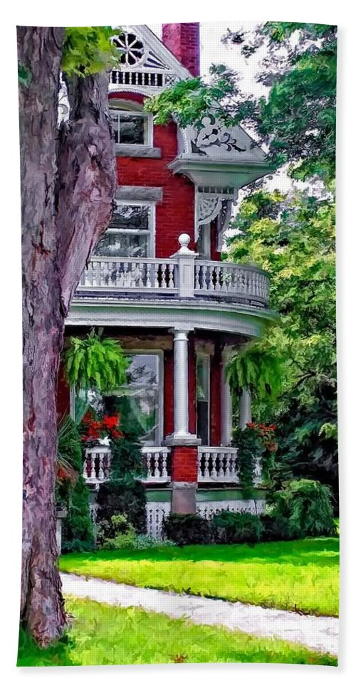 Southhampton Beach Towel featuring the photograph Victorian Home by Steve Harrington