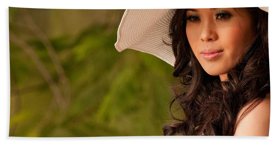 Vietnam Beach Towel featuring the photograph Vietnamese Bride 06 by Rick Piper Photography