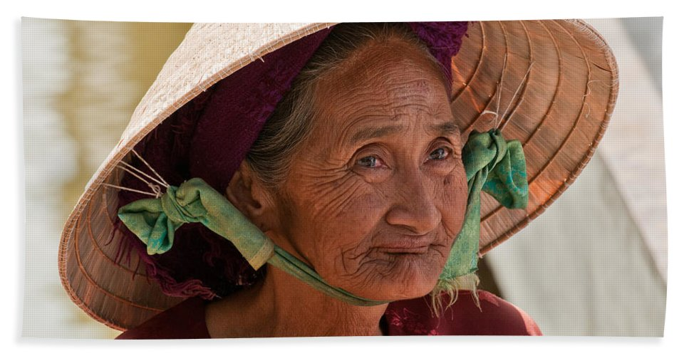 Vietnam Beach Towel featuring the photograph Vietnamese Lady by Rick Piper Photography