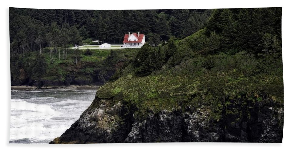 Heceta Head Beach Towel featuring the photograph View From Hyway 101 by Image Takers Photography LLC - Laura Morgan